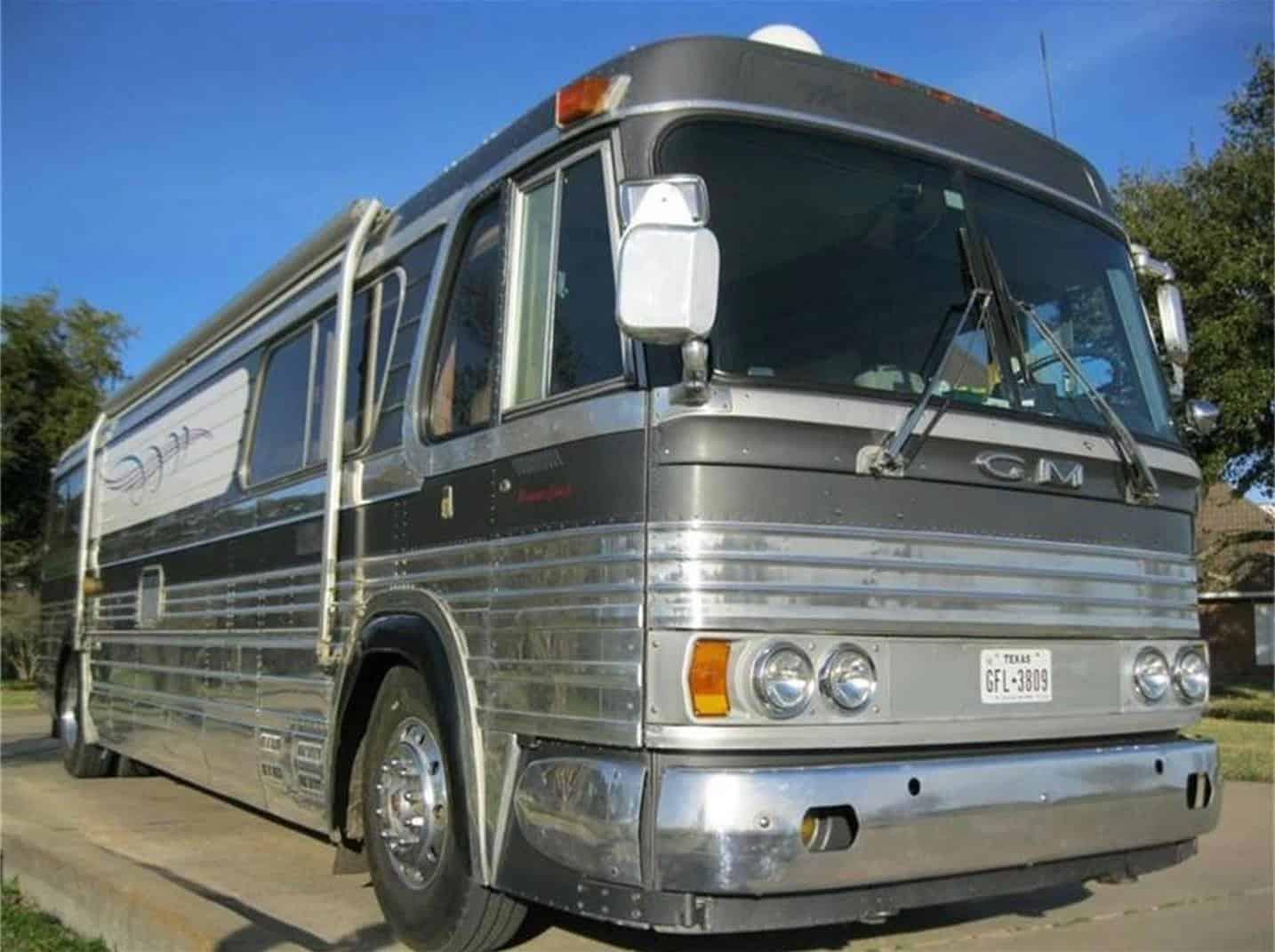 GM motorcoach