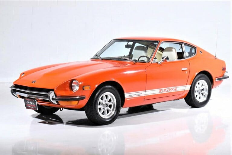 Pictures tell the story of clean 1970 Datsun 240Z