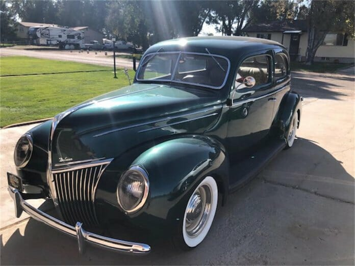 1939 De Luxe Ford
