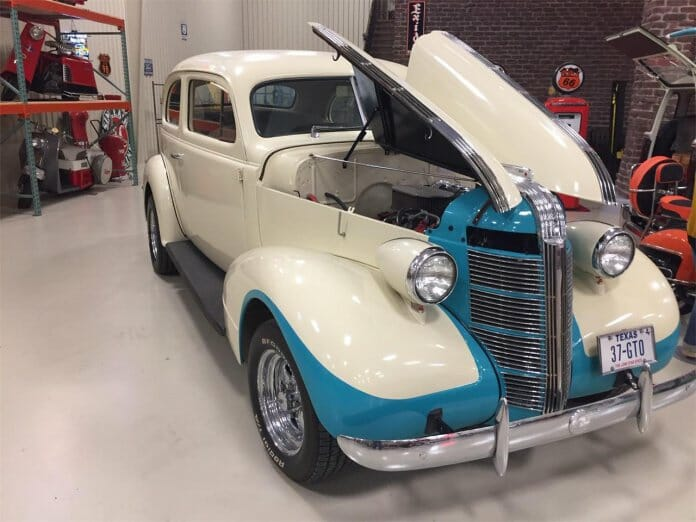 1937 Plymouth 2-door Sedan