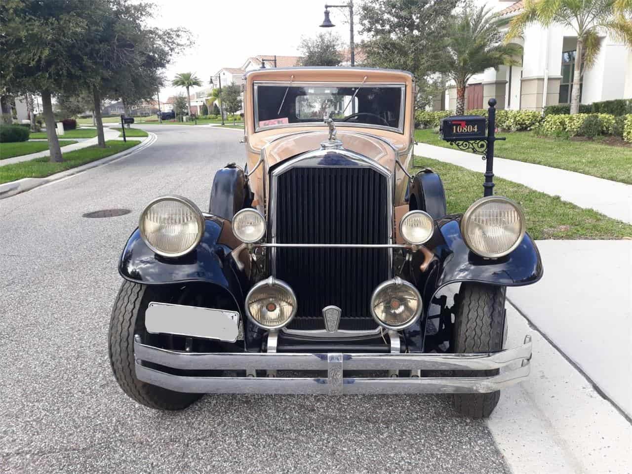 1930 Pierce-Arrow Club Sedan Model B