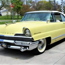 Pick of the Day: 1956 Lincoln Premiere convertible in saucy yellow