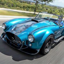Cobra continuation roadster gets modern updates from Superformance