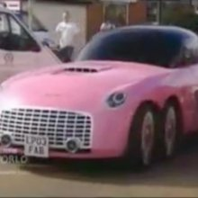 Video of the Day: A Ford replaces Lady Penelope's pink Rolls