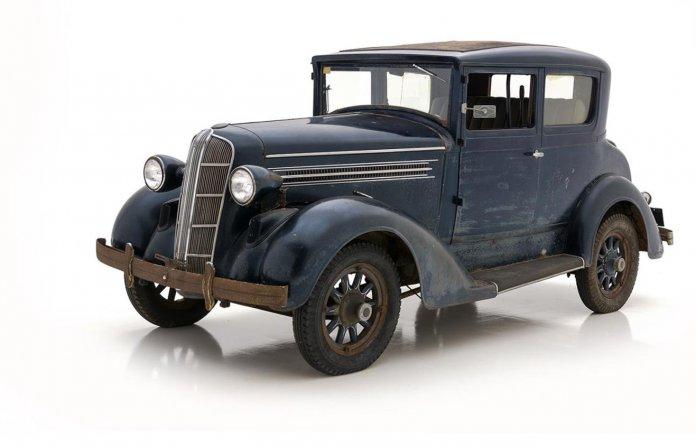 22424308-1937-detroit-electric-model-99c-srcset-retina-xxl-696x447.jpeg