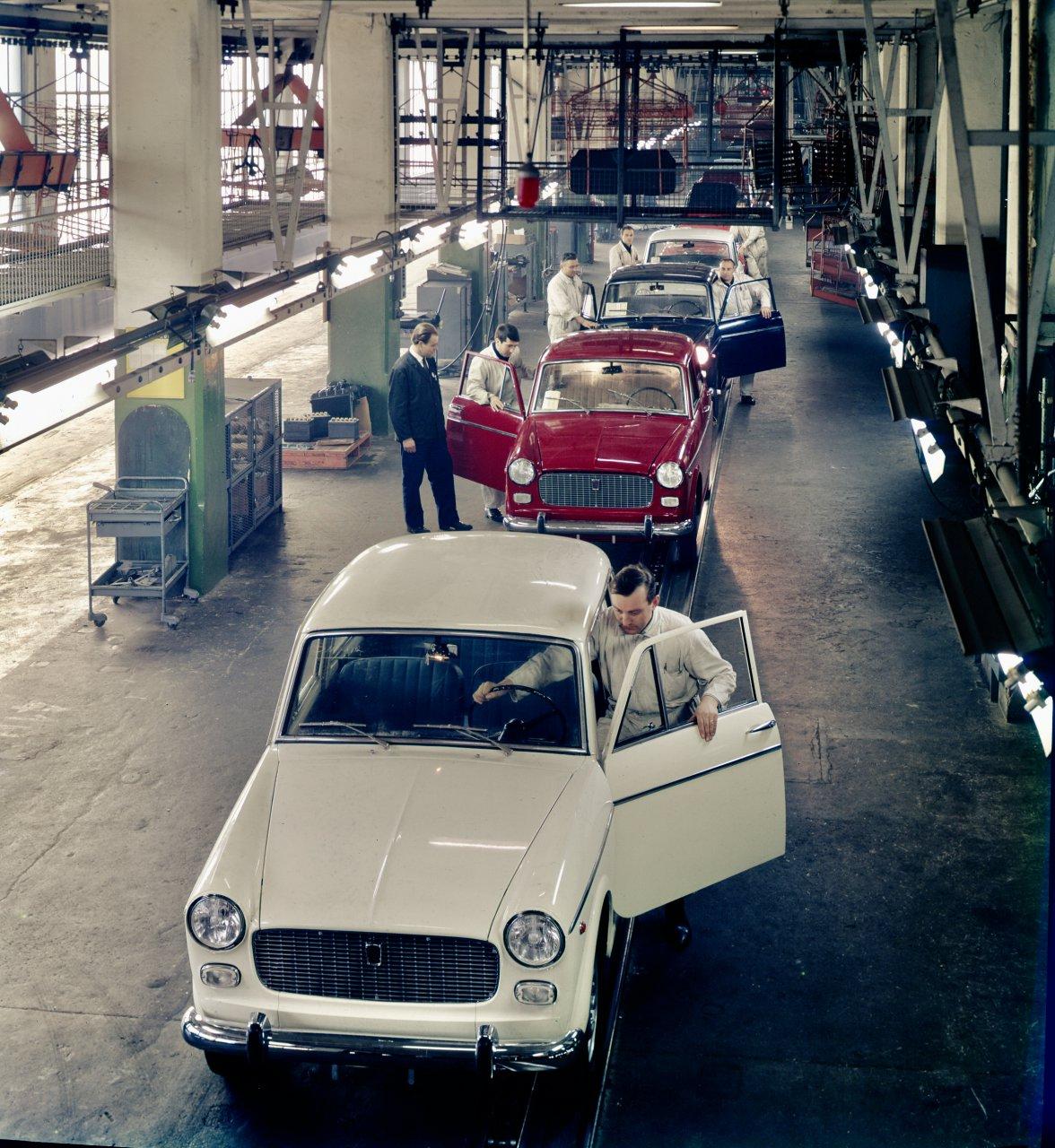 museum, Rooftop experience: Exhibit celebrates Lingotto's history, ClassicCars.com Journal
