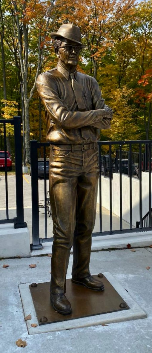 Tufte, Elkhart Lake honors its founder with a statue, ClassicCars.com Journal