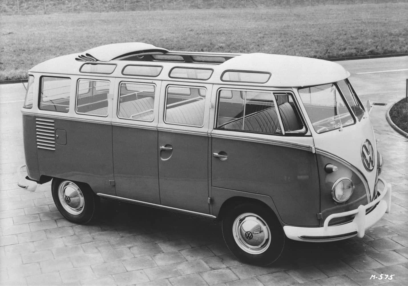 23-window Volkswagen Microbus