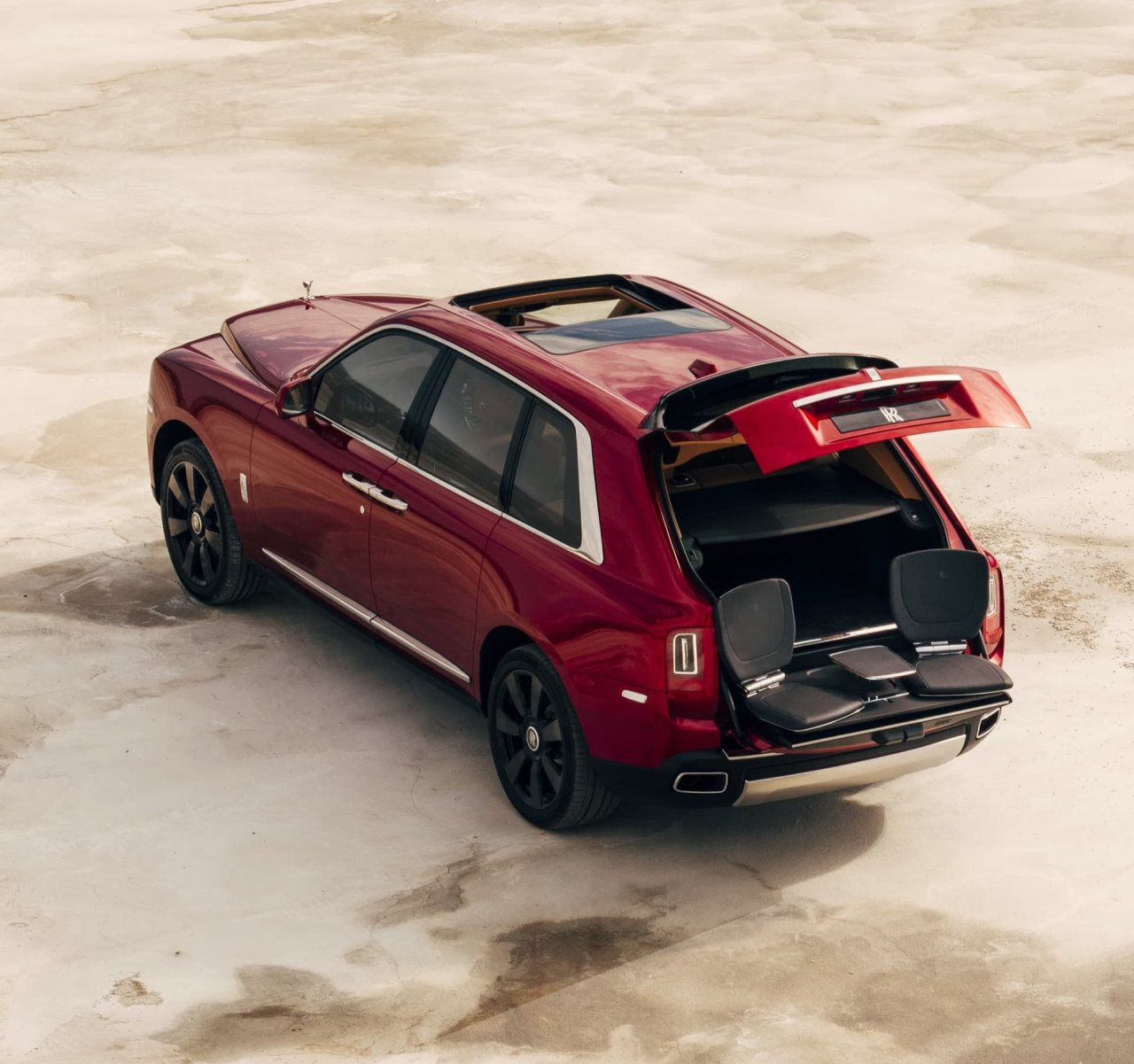 Rolls-Royce Boutique Cullinan viewing set