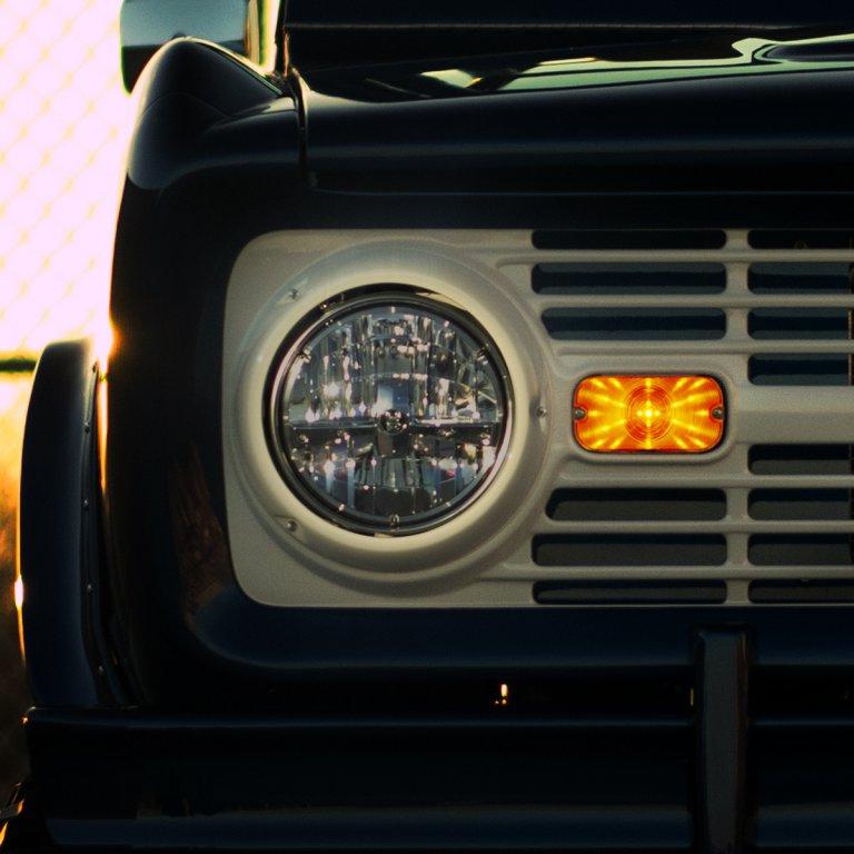 New amber parking, signal lights for old Broncos