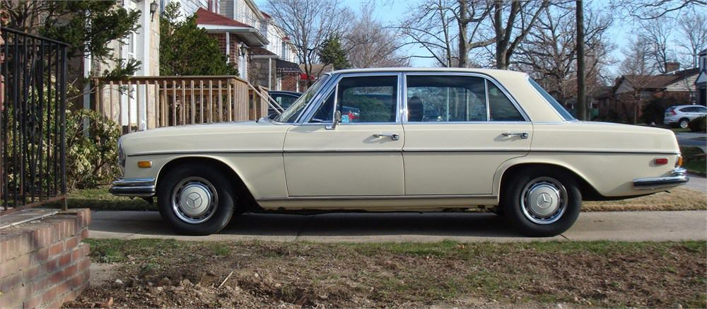 1970 Mercedes-Benz 300SEL 6.3  on AutoHunter