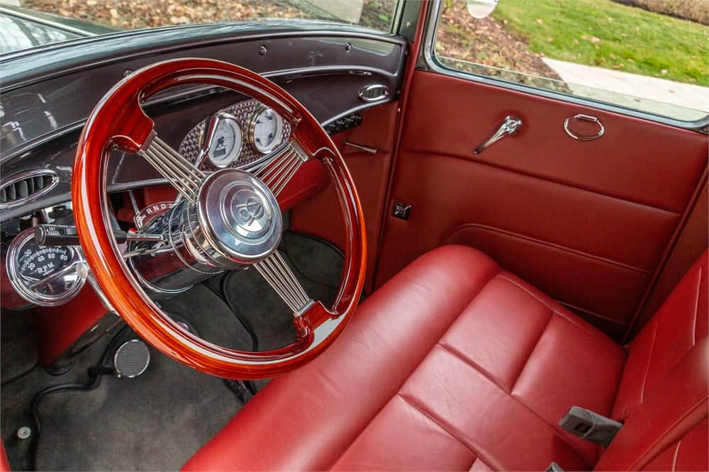 1932 Ford custom pickup  interior