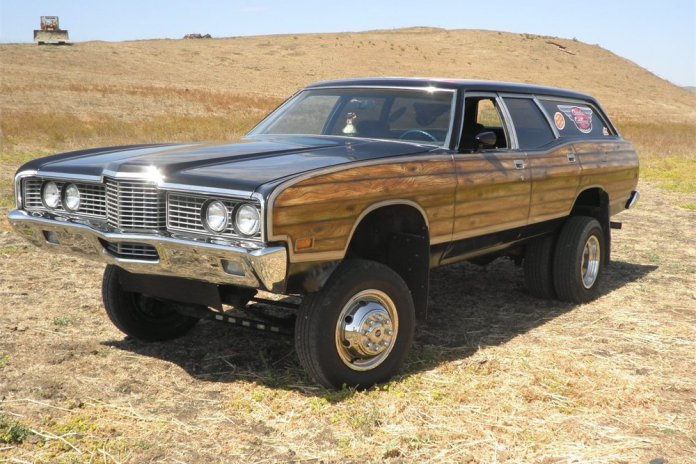1972 Ford Country Squire custom dually wagon