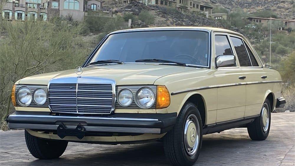 1978 MERCEDES-BENZ 240D 4-SPEED