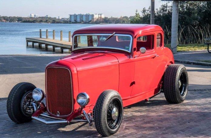 1932 Ford 5-window Flatlander coupe