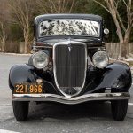 1934-Ford-5-Window-Coupe-front