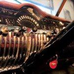 1951-Mercury-Woody-Wagon-dash