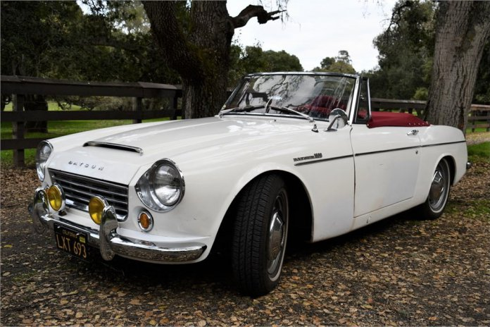 1966 Datsun 1600 roadster main