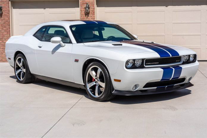 2011 Didge Challenger SRT8 Inaugural Edition front