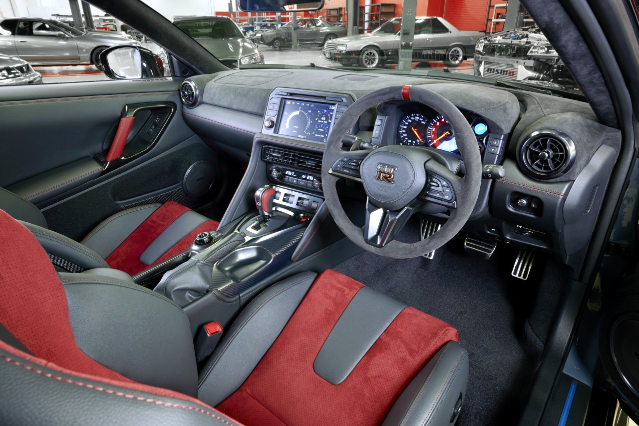 GT-R Nismo, Nissan unleashes GT-R Nismo special edition this fall, ClassicCars.com Journal