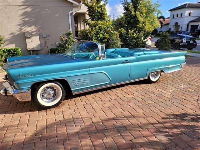 1960 Lincoln Continental main