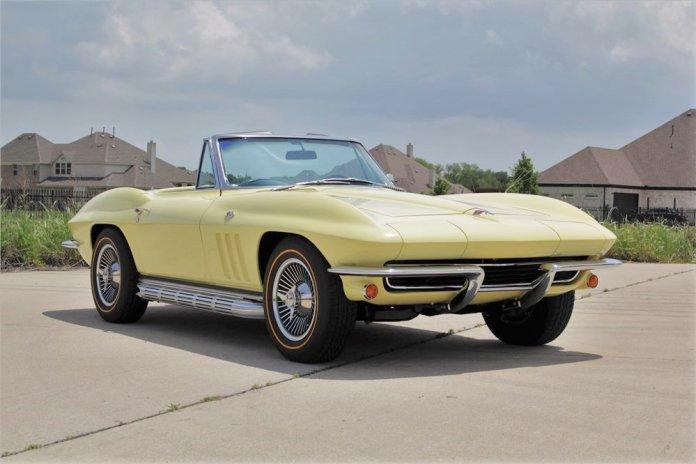 1965 Chevrolet Corvette main