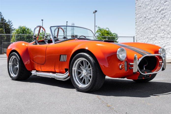 1966 Shelby Cobra re-creation main