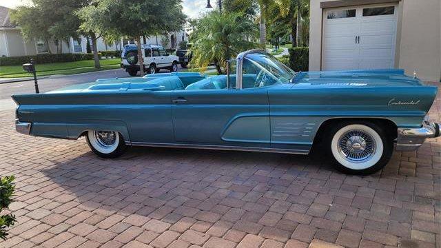 AutoHunter Spotlight: 1960 Lincoln Continental