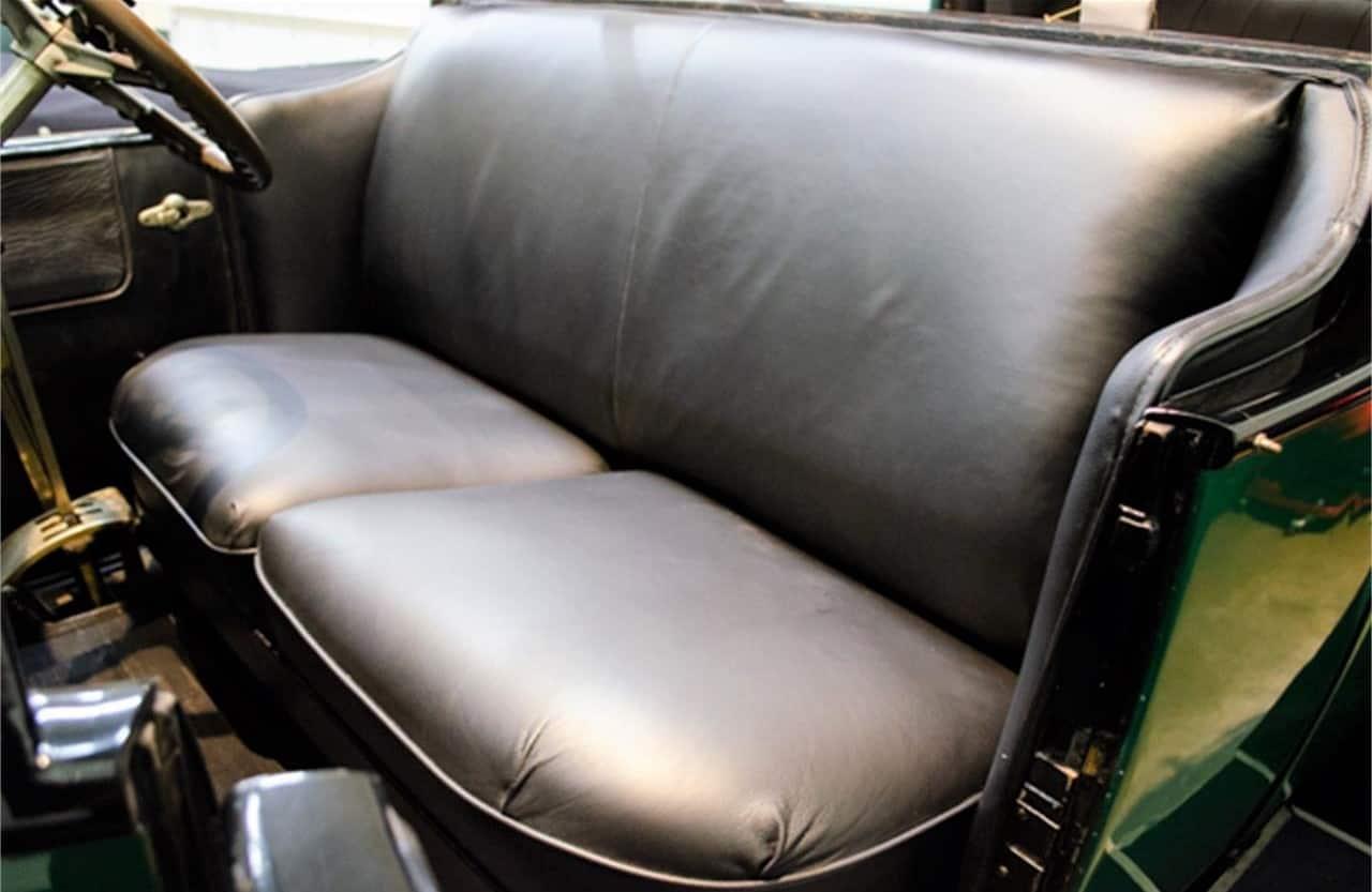 1923 Rolls-Royce Silver Ghost interior