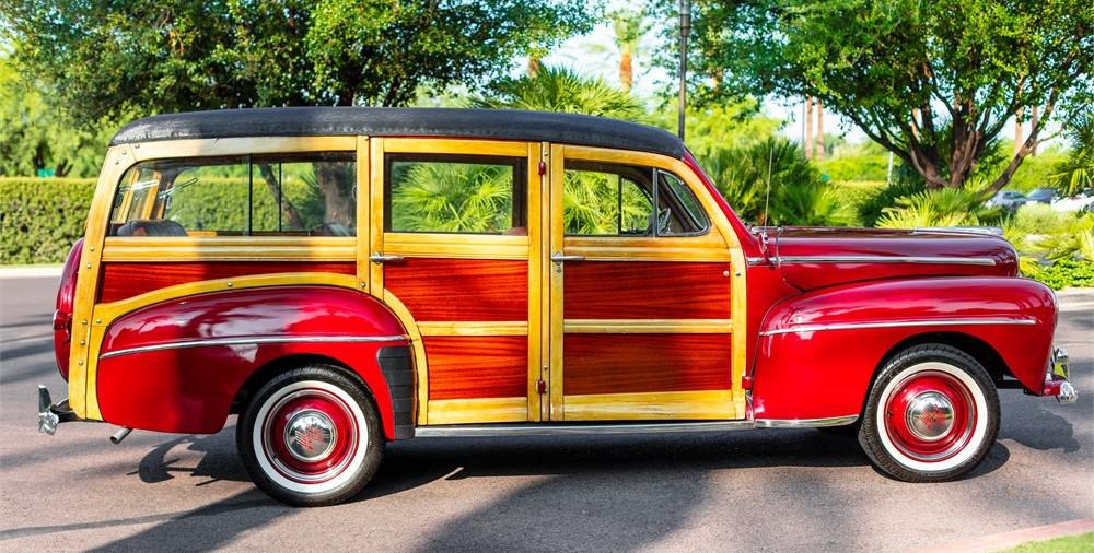 """1948 m. """"Super Deluxe"""" Ford Woody universalas """"AutoHunter"""""""
