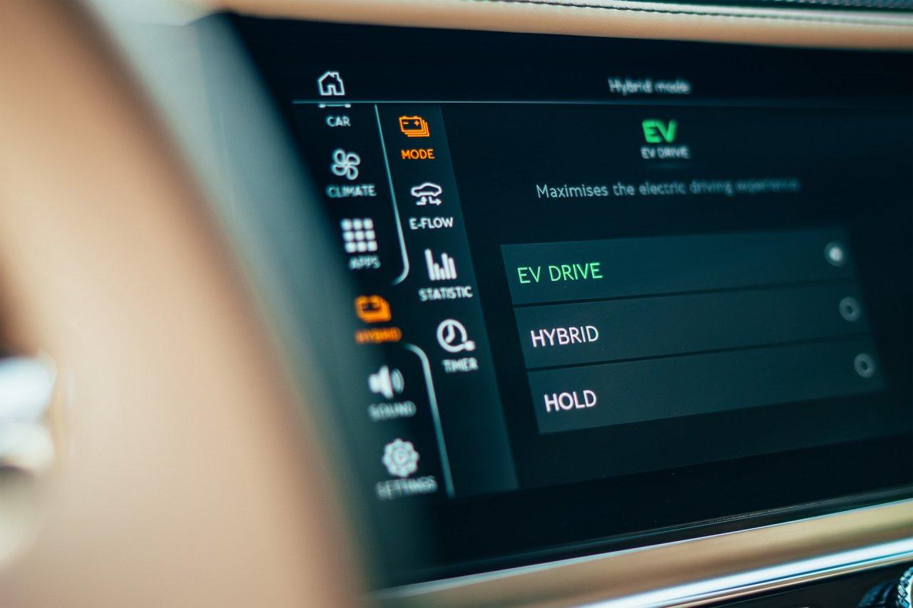 Bentley, 2022 Bentley Flying Spur Hybrid debuts as 536-hp plug-in grand tourer, ClassicCars.com Journal