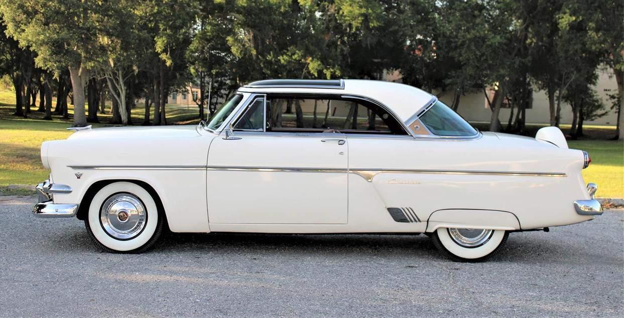 1954 Ford Crestline Skyliner side view