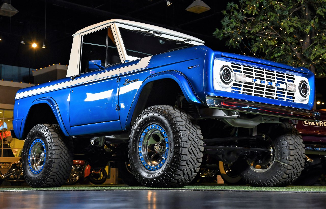 auction, Seven 'Cars of Dreams' consigned to Barrett-Jackson's Houston auction, ClassicCars.com Journal