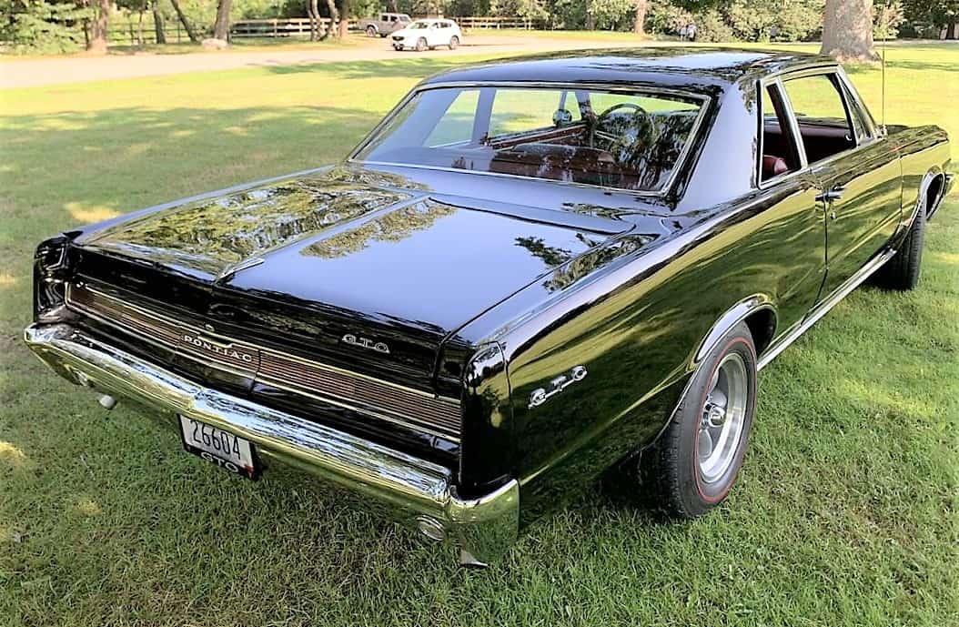 """GTO, Dienos pasirinkimas: 1964 m. Putojančios restauruotos būklės """"Pontiac GTO"""", """"ClassicCars.com Journal"""""""