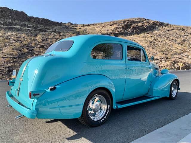 """Pontiac"", dienos pasirinkimas: 1937 m. ""Pontiac"" ""Silver Streak"", bet dabar vandens spalvos, ""ClassicCars.com Journal"""