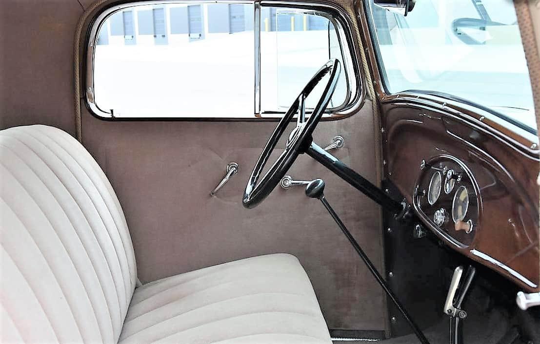 """standartas, dienos pasirinkimas: 1935 m. """"Chevy"""" 3 langų standartinis kupė su rumbuliuku, """"ClassicCars.com Journal"""""""