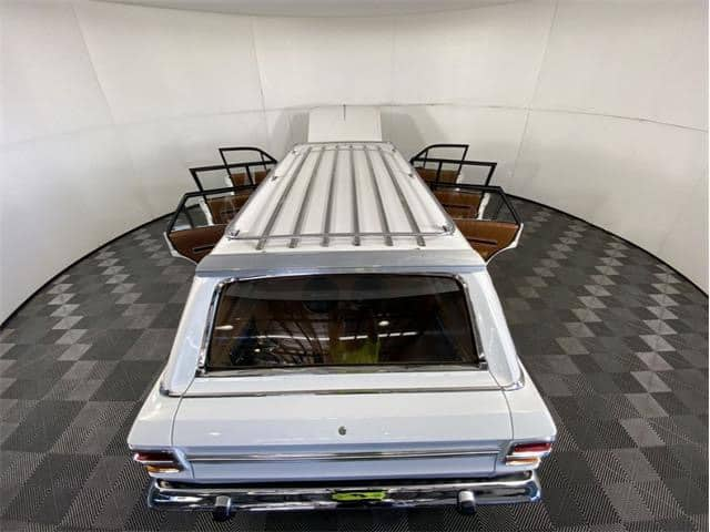 """""""Falcon"""", """"Dienos pasirinkimas"""": 1 vienetas, 6 durų Australijos limuzinas, """"ClassicCars.com Journal"""""""