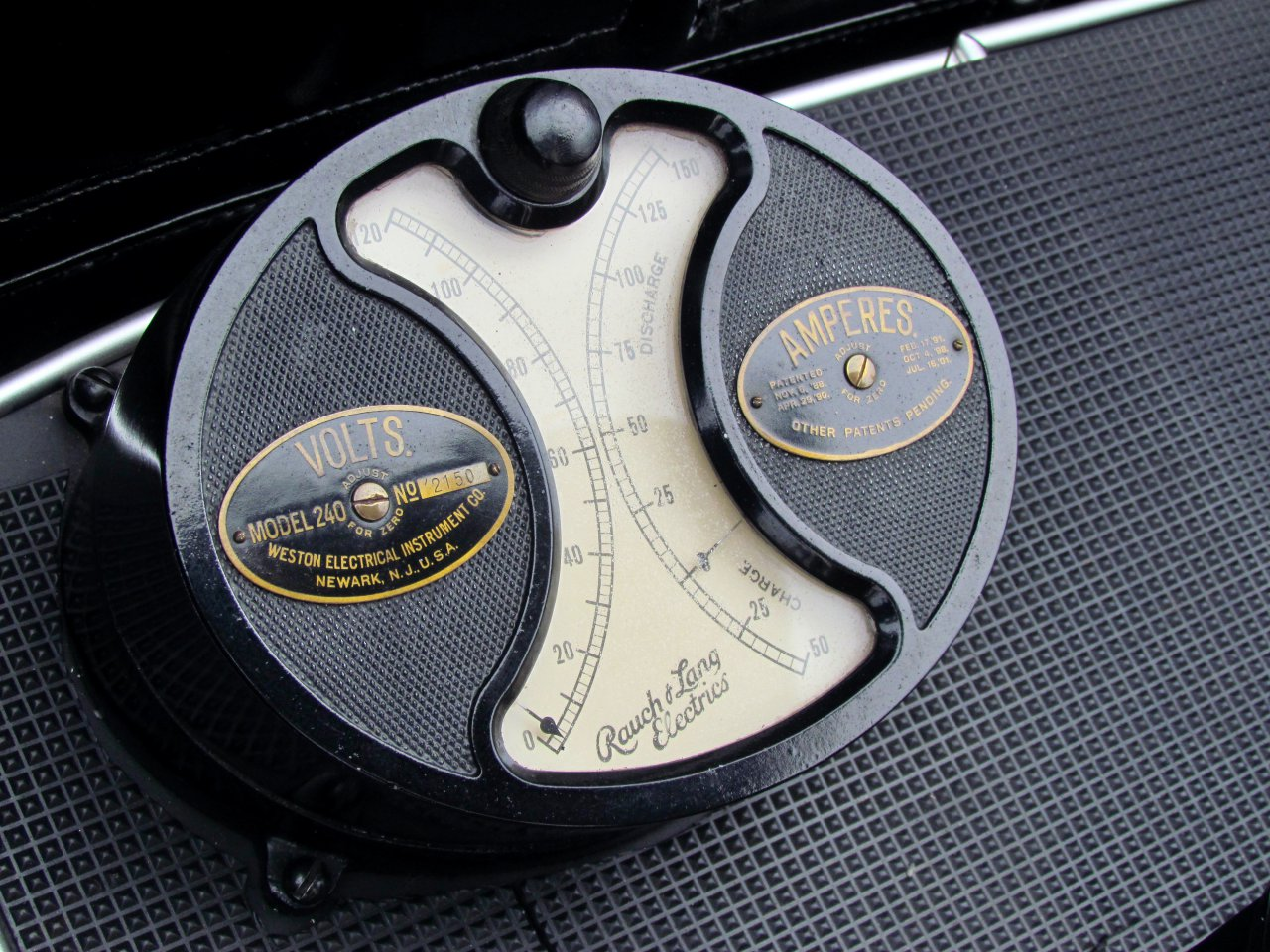 """""""Pebble Beach"""" apžvelgia ankstyvąsias elektrines transporto priemones, skelbia """"ClassicCars.com Journal"""""""