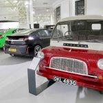 Vauxhall display 2 lr