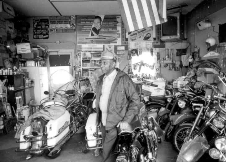 """motociklas, kalno užkariavimas ir daug daugiau, """"ClassicCars.com Journal"""""""