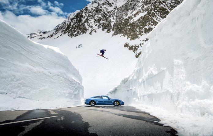 Porsche Taycan snow